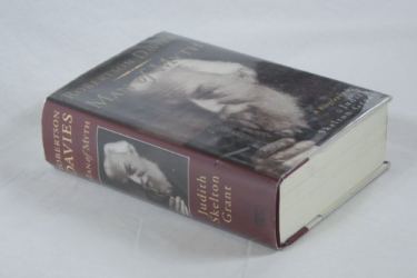 Judith Skelton Grant: Robertson Davies: Man of Myth