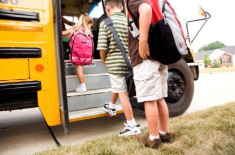 Kids-getting-all-school-bus