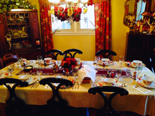 Christmas table - photo: Anietra Hamper