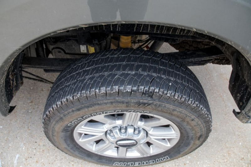 2019 Ford F-250 Limited FX4 Tire