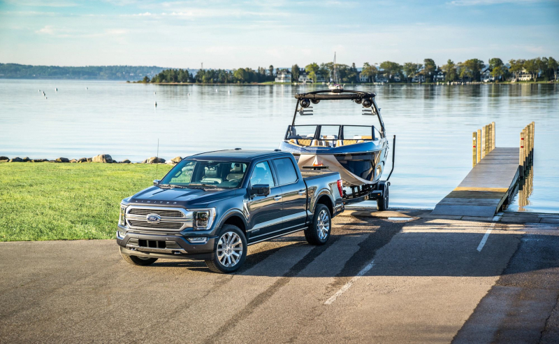 2021 Ford F-150 Backing Boat Into Water