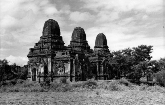 Payathonzu temple, archaeological site, Burma 1967, British Library Photo 1213(1014)