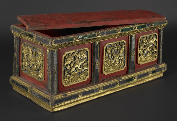 Northern Thai wooden manuscript box, decorated with red and black lacquer, gold and mirror-glass-inlay (19th century). Gift from Doris Duke's Southeast Asian Art Collection. British Library, Foster 1056
