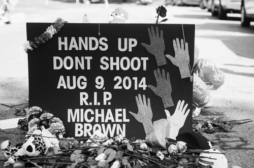 800px-Memorial_to_Michael_Brown