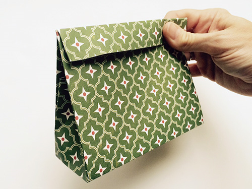 "DIY Holiday Treat Bags by Aly Dosdall with the ""The Story of Christmas"" collection by #EchoParkPaper."