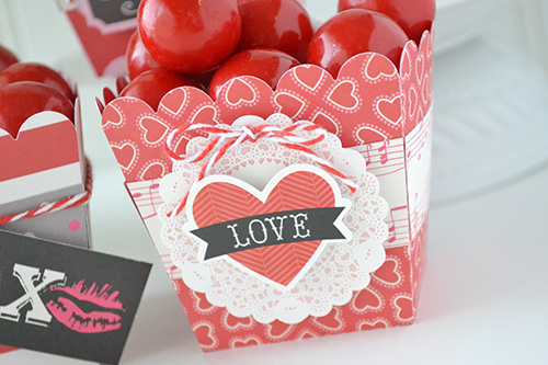 """""""Blowing Kisses"""" Valentine Treat Boxes by Aly Dosdall for #EchoParkPaper"""
