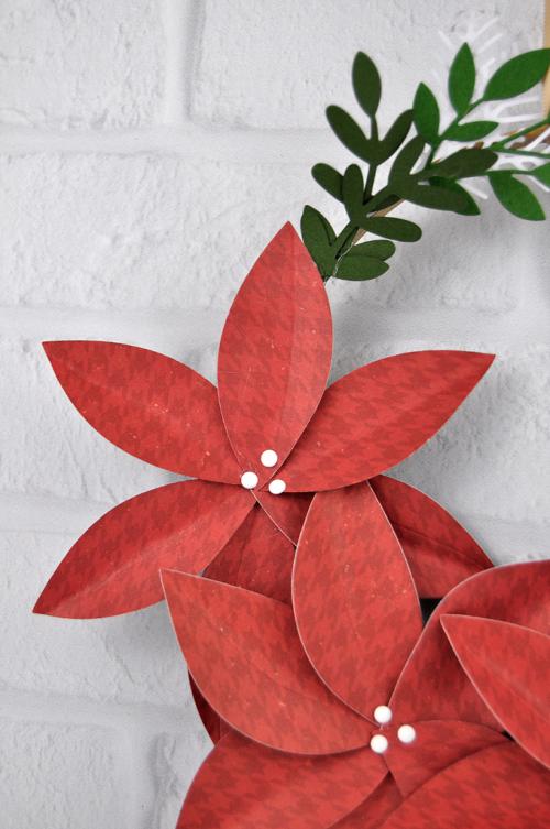Christmas Embroidery Wreath by Jen Gallacher for #EchoParkPaper