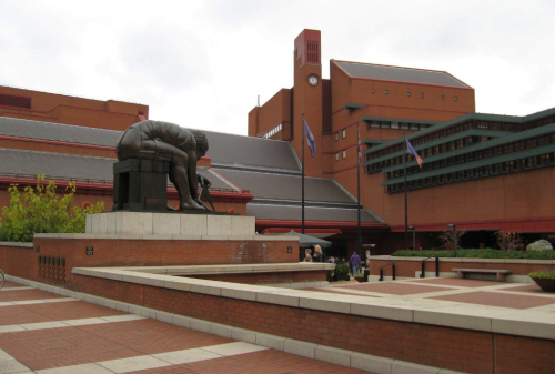 colour photograph of the bronze statue of Isaac Newton outside the British Library site in London