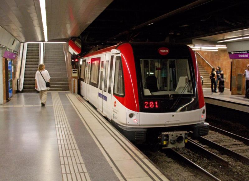 Barcelona_Metro_Paral-lel
