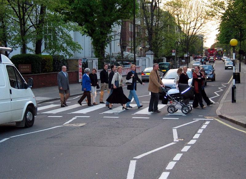 1024px-Abbey_Road_Zebra_crossing_2004-01